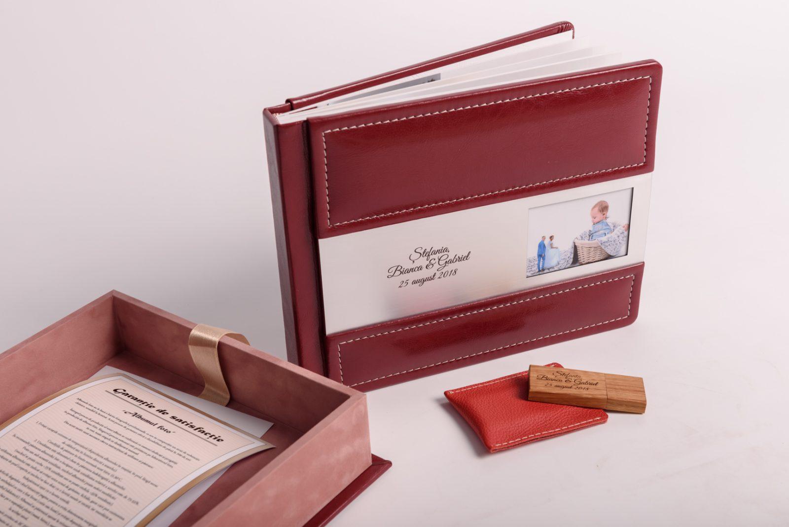 Phtobook 20x25cm - insertie carton 300gr - 20 colaje - piele ecologica + stick USB personalizat si cutie depozitare premium